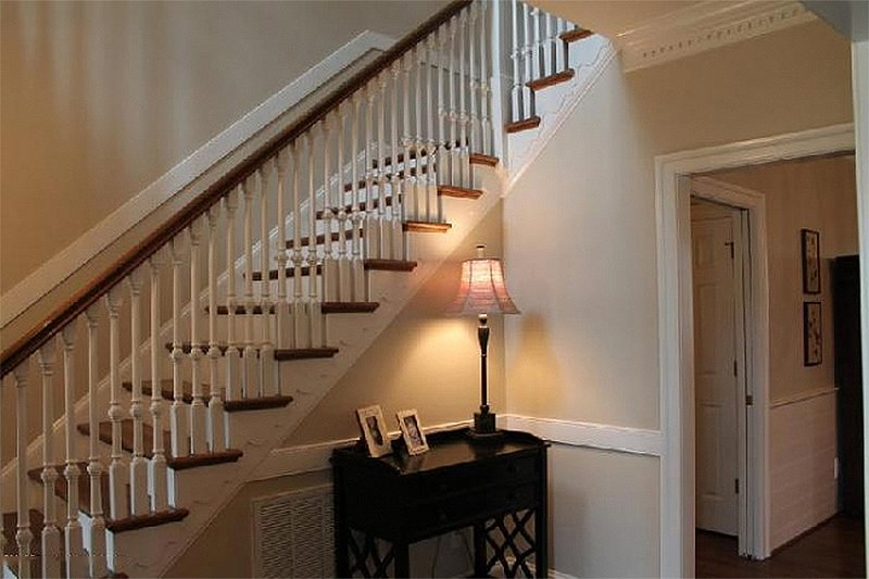 Entry - 3500 square foot Colonial Home