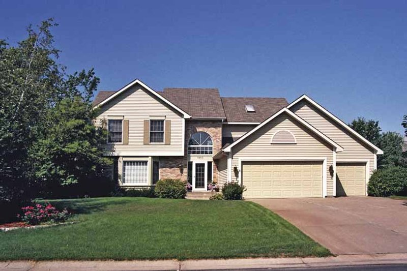 Traditional Exterior - Front Elevation Plan #51-891 - Houseplans.com