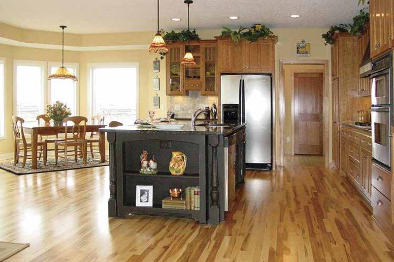 Craftsman Interior - Kitchen Plan #320-1006 - Houseplans.com