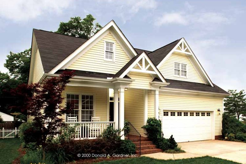 House Plan Design - Victorian Exterior - Front Elevation Plan #929-557