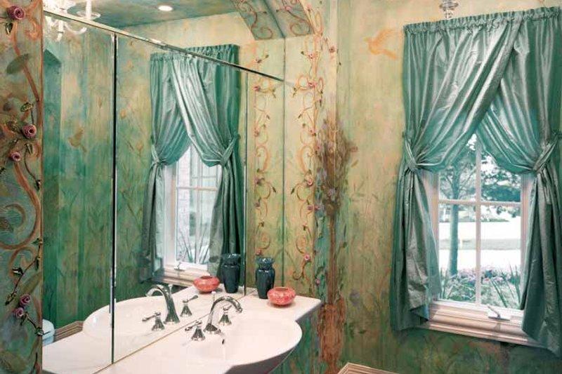 Mediterranean Interior - Bathroom Plan #46-720 - Houseplans.com