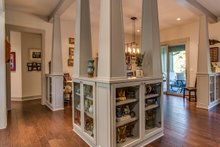 Craftsman Interior - Dining Room Plan #935-12