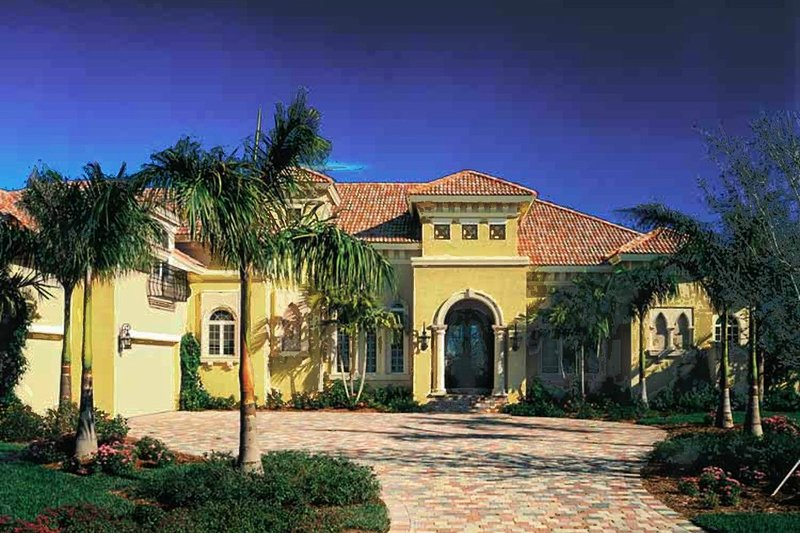 Mediterranean Exterior - Front Elevation Plan #930-311