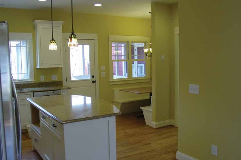 Traditional Interior - Kitchen Plan #939-3 - Houseplans.com