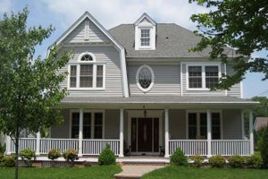 Colonial Exterior - Front Elevation Plan #1053-51
