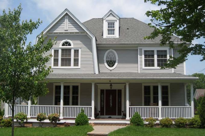 Architectural House Design - Colonial Exterior - Front Elevation Plan #1053-51