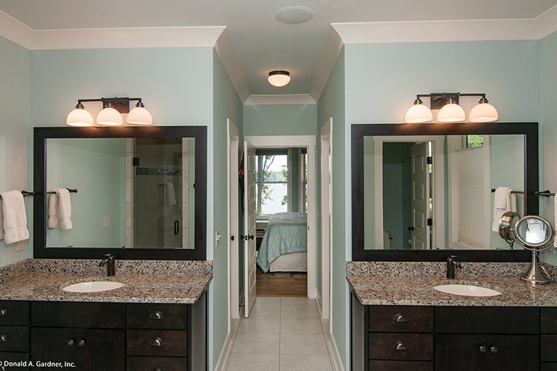 Craftsman Interior - Master Bathroom Plan #929-407 - Houseplans.com