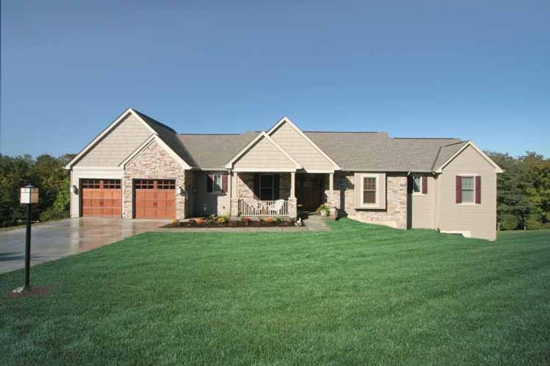 Ranch Exterior - Front Elevation Plan #46-661