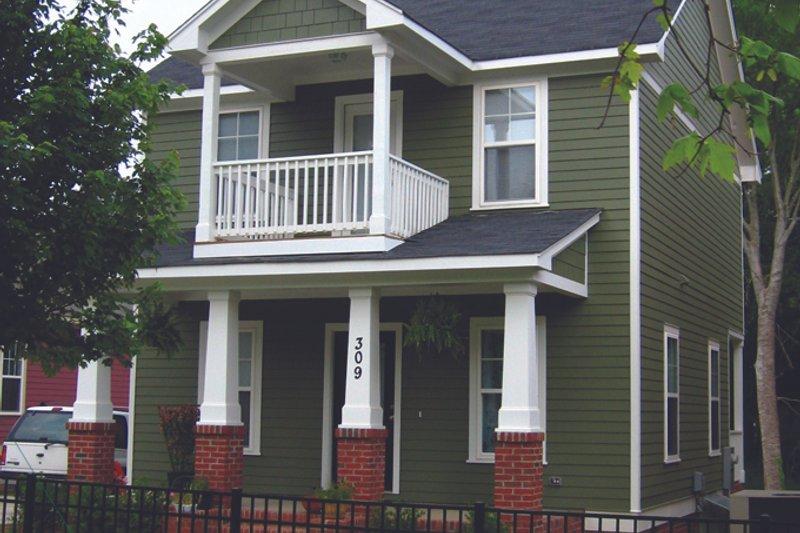 Craftsman Exterior - Front Elevation Plan #936-21