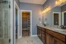 Ranch Interior - Master Bathroom Plan #70-1484