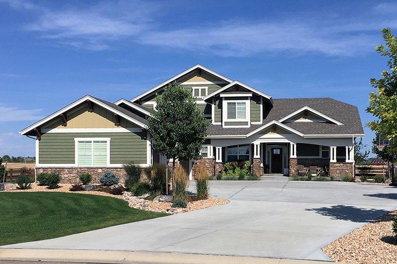 House Plan Design - Craftsman Exterior - Front Elevation Plan #1069-11