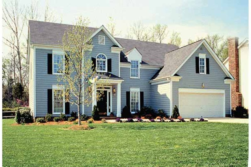 Architectural House Design - Colonial Exterior - Front Elevation Plan #453-484