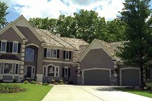 House Plan Design - Traditional Exterior - Front Elevation Plan #51-785