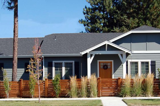 Craftsman Exterior - Front Elevation Plan #434-23