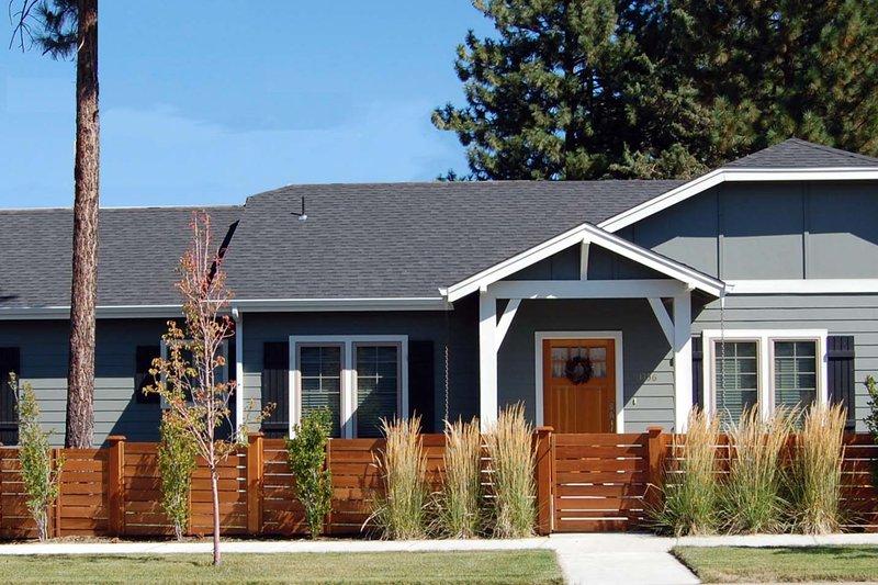 Home Plan - Craftsman Exterior - Front Elevation Plan #434-23