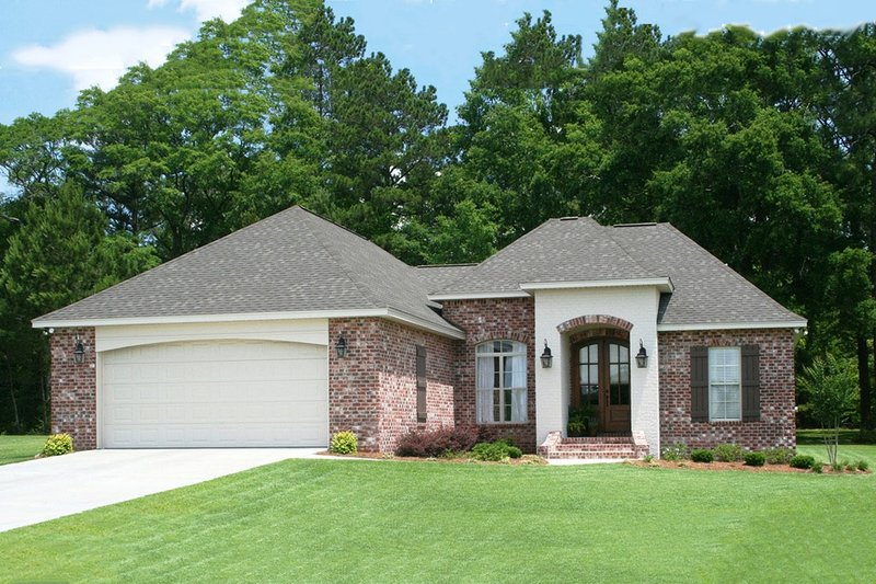 Dream House Plan - Traditional Exterior - Front Elevation Plan #430-71