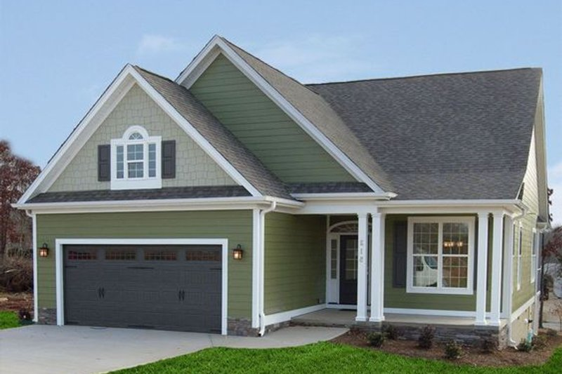 Home Plan - Traditional Exterior - Front Elevation Plan #405-329
