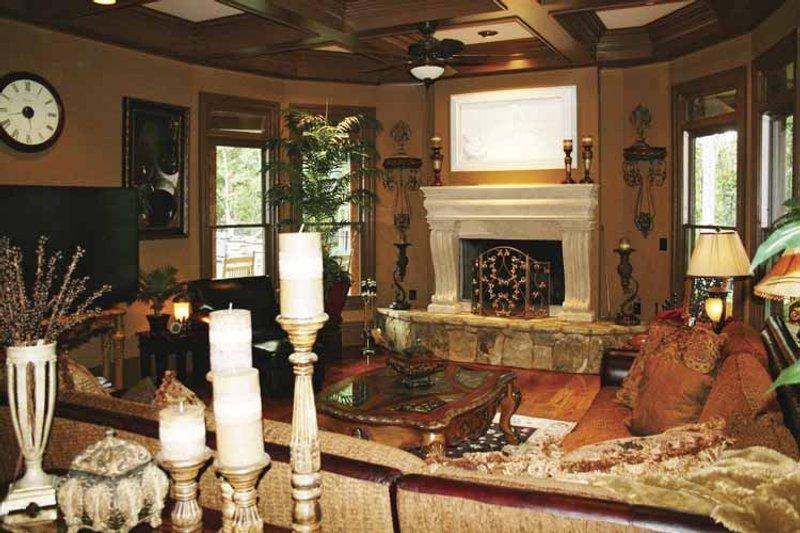 Colonial Interior - Family Room Plan #119-392 - Houseplans.com