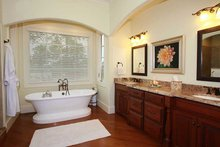 Home Plan - Country Interior - Master Bathroom Plan #927-409