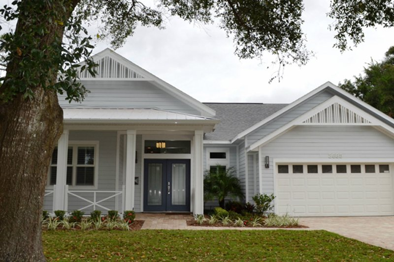 Colonial Exterior - Front Elevation Plan #1058-148 - Houseplans.com