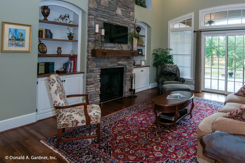 Craftsman Interior - Family Room Plan #929-1 - Houseplans.com