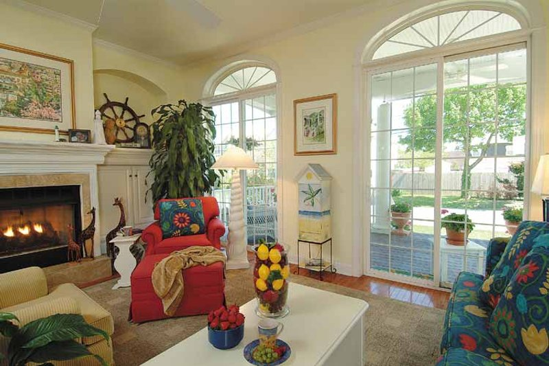 Country Interior - Family Room Plan #930-81 - Houseplans.com