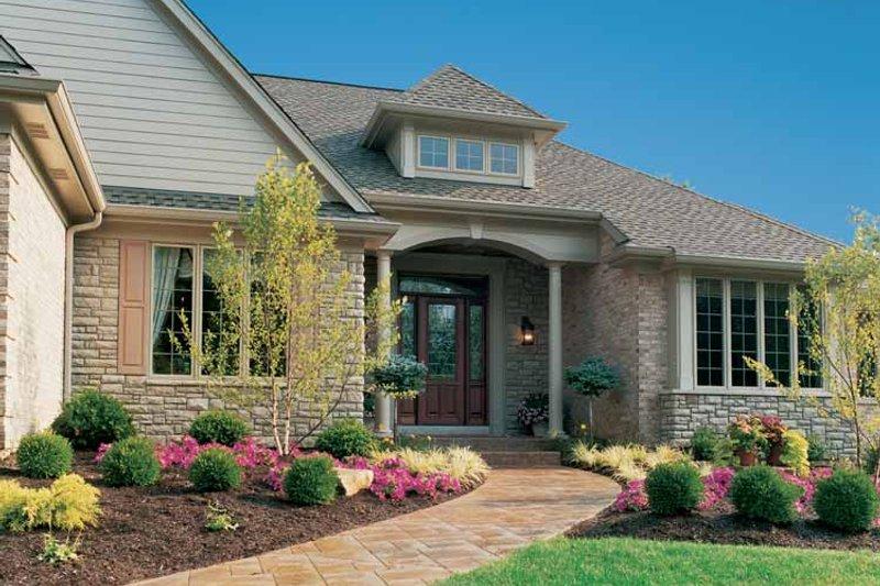 Craftsman Exterior - Front Elevation Plan #46-646 - Houseplans.com