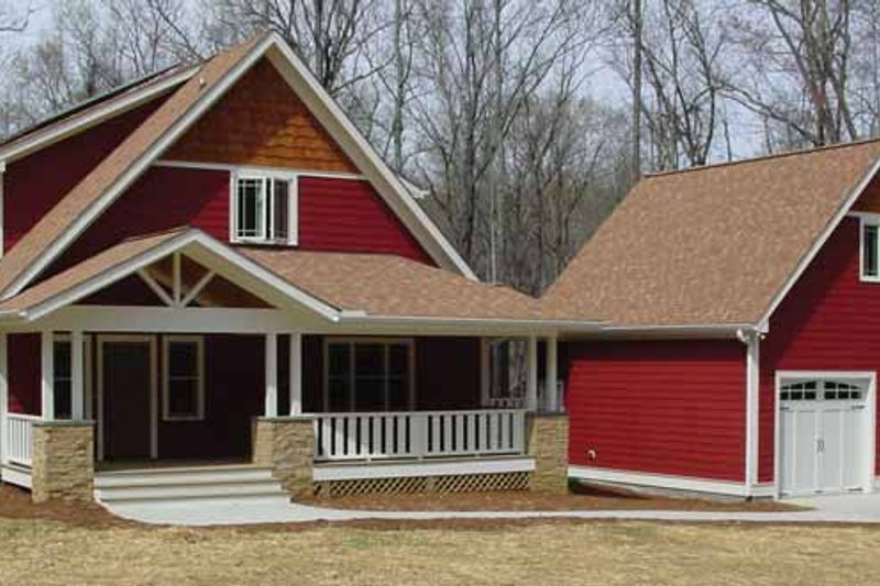 Traditional Exterior - Front Elevation Plan #939-3 - Houseplans.com