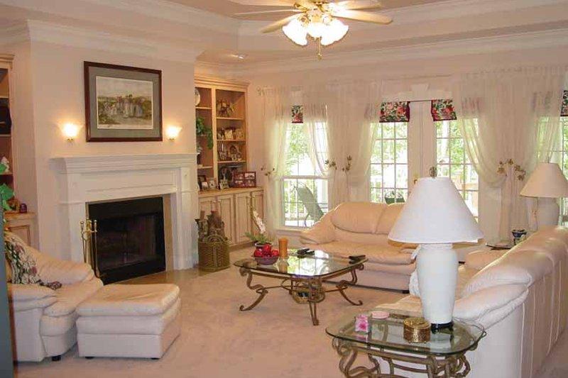 Country Interior - Family Room Plan #44-202 - Houseplans.com