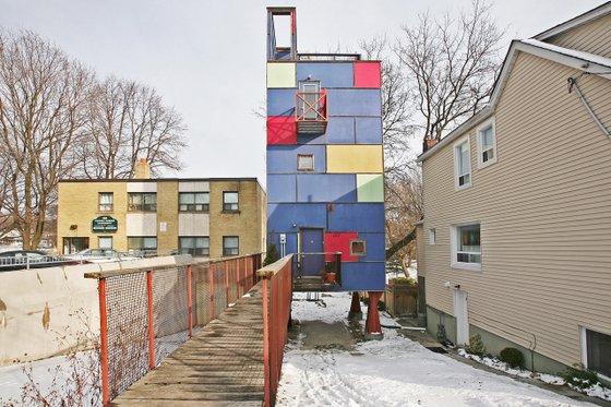 Modern Exterior - Front Elevation Plan #905-3