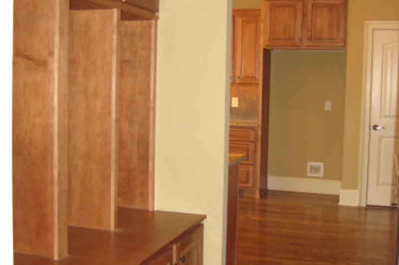 Traditional Photo Plan #437-38 - Houseplans.com
