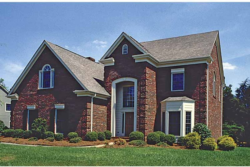 Traditional Exterior - Front Elevation Plan #453-514 - Houseplans.com