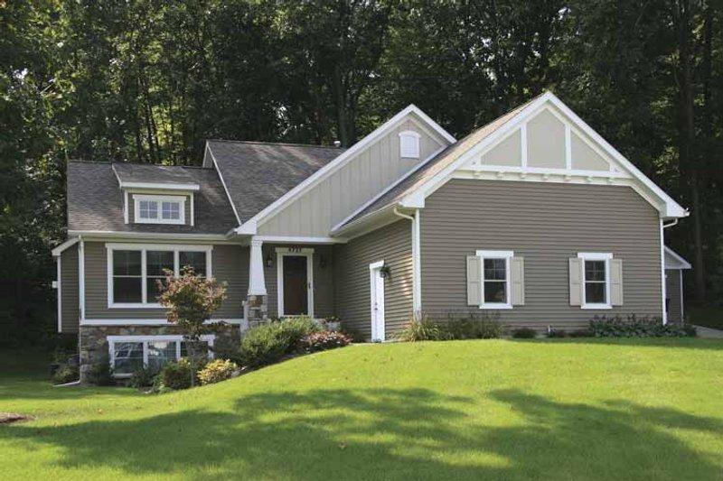 House Plan Design - Craftsman Exterior - Front Elevation Plan #928-148