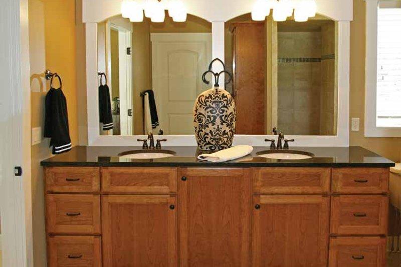 Craftsman Interior - Master Bathroom Plan #928-193 - Houseplans.com