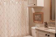 European Style House Plan - 3 Beds 2 Baths 2024 Sq/Ft Plan #430-168 Interior - Bathroom