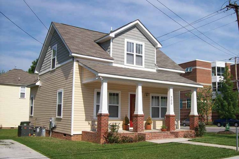 Architectural House Design - Craftsman Exterior - Front Elevation Plan #936-7