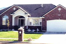 Dream House Plan - Ranch Exterior - Front Elevation Plan #945-17