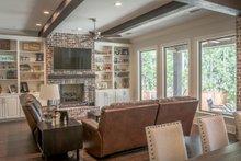 Farmhouse Interior - Family Room Plan #430-204