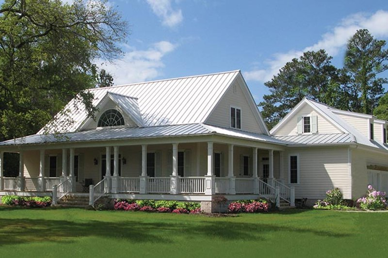 Traditional Exterior - Front Elevation Plan #137-367 - Houseplans.com