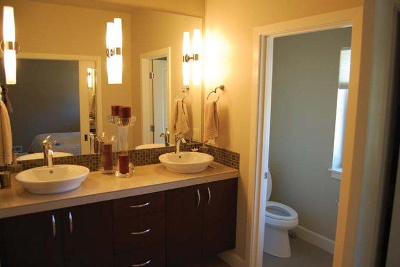 Prairie Interior - Master Bathroom Plan #895-78 - Houseplans.com