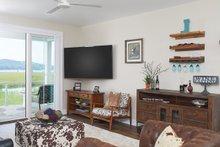 Bungalow Interior - Family Room Plan #928-330