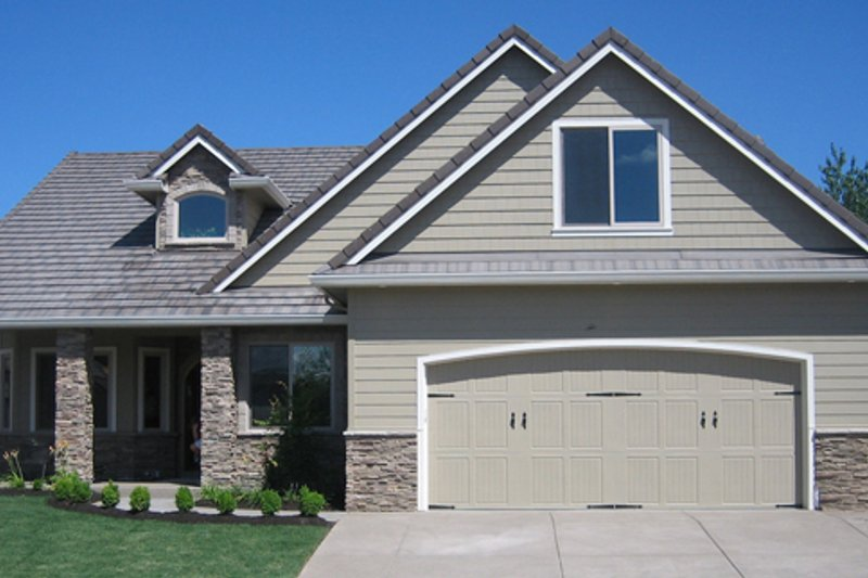 Dream House Plan - Traditional Exterior - Front Elevation Plan #124-768