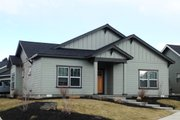 Bungalow Style House Plan - 3 Beds 2 Baths 1468 Sq/Ft Plan #895-39 Exterior - Front Elevation
