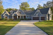 Craftsman Style House Plan - 3 Beds 3.5 Baths 2499 Sq/Ft Plan #119-367 Exterior - Front Elevation
