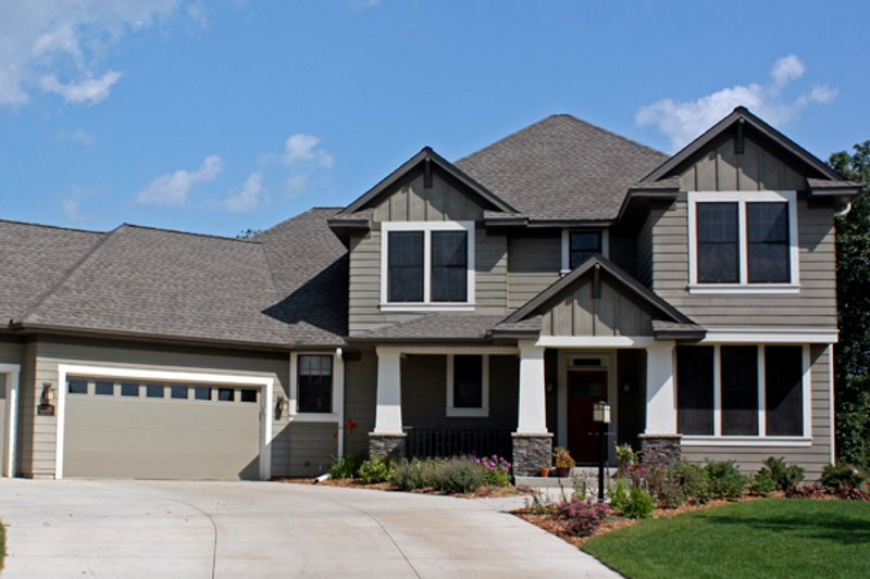 Craftsman Style House Plan - 4 Beds 2.5 Baths 2763 Sq/Ft Plan #51-430 Exterior - Front Elevation