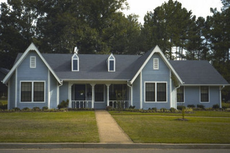 Country Exterior - Front Elevation Plan #45-326 - Houseplans.com
