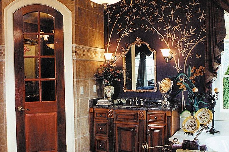 Traditional Interior - Master Bathroom Plan #437-56 - Houseplans.com