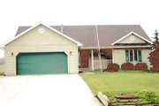 Traditional Style House Plan - 3 Beds 2 Baths 1418 Sq/Ft Plan #421-111