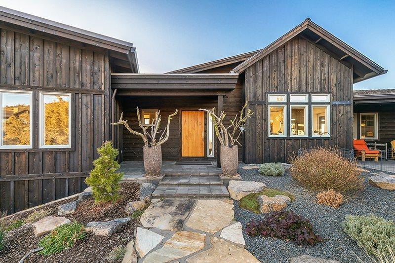 House Design - Ranch Exterior - Front Elevation Plan #895-117