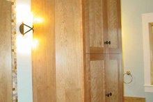 House Design - Prairie Interior - Master Bathroom Plan #939-7